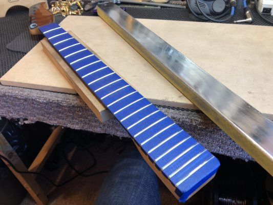 Levelling the new frets