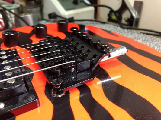 Floyd Rose with D tuner