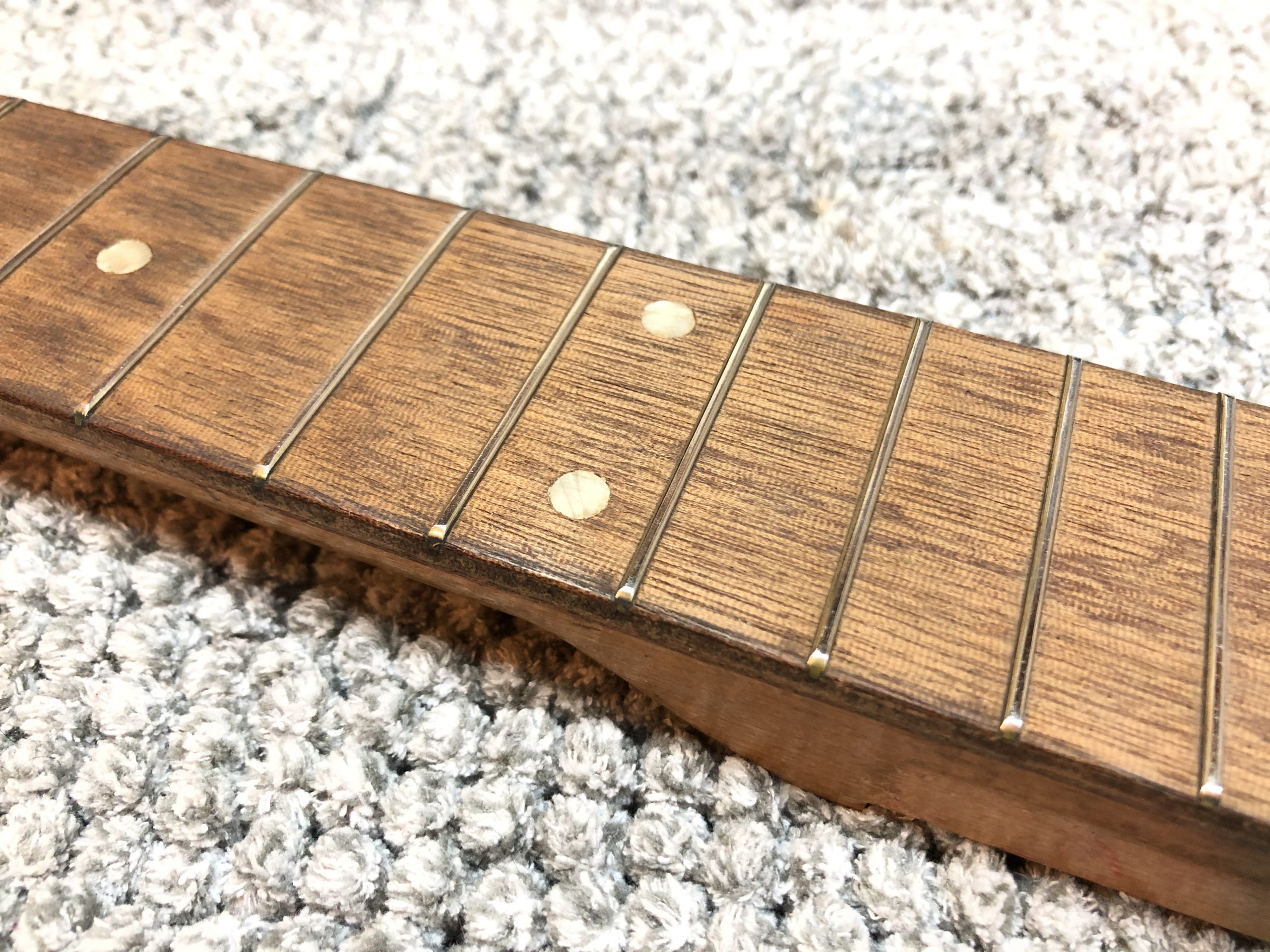 Fretboard ready to be conditioned