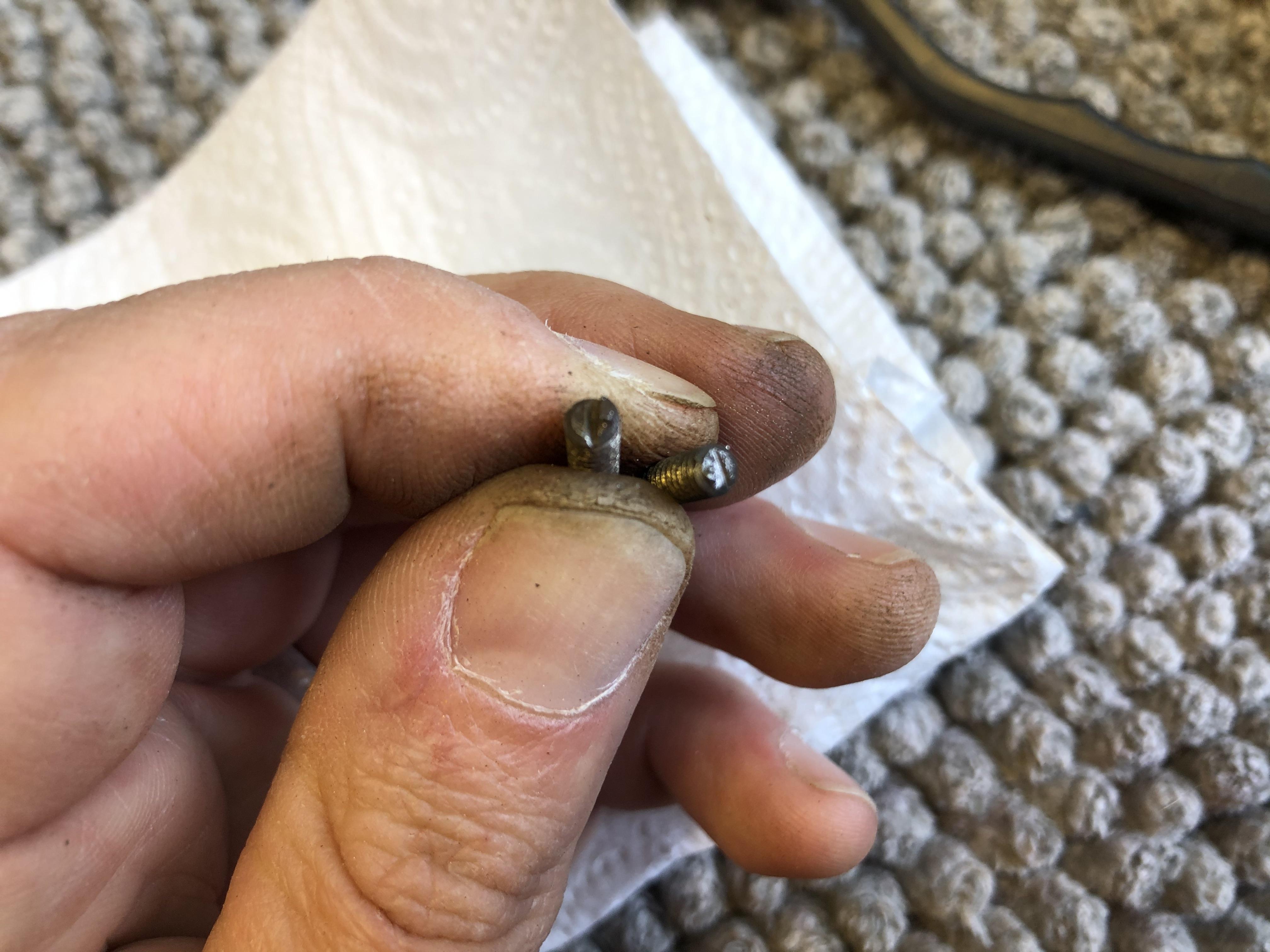 Broken/worn screws
