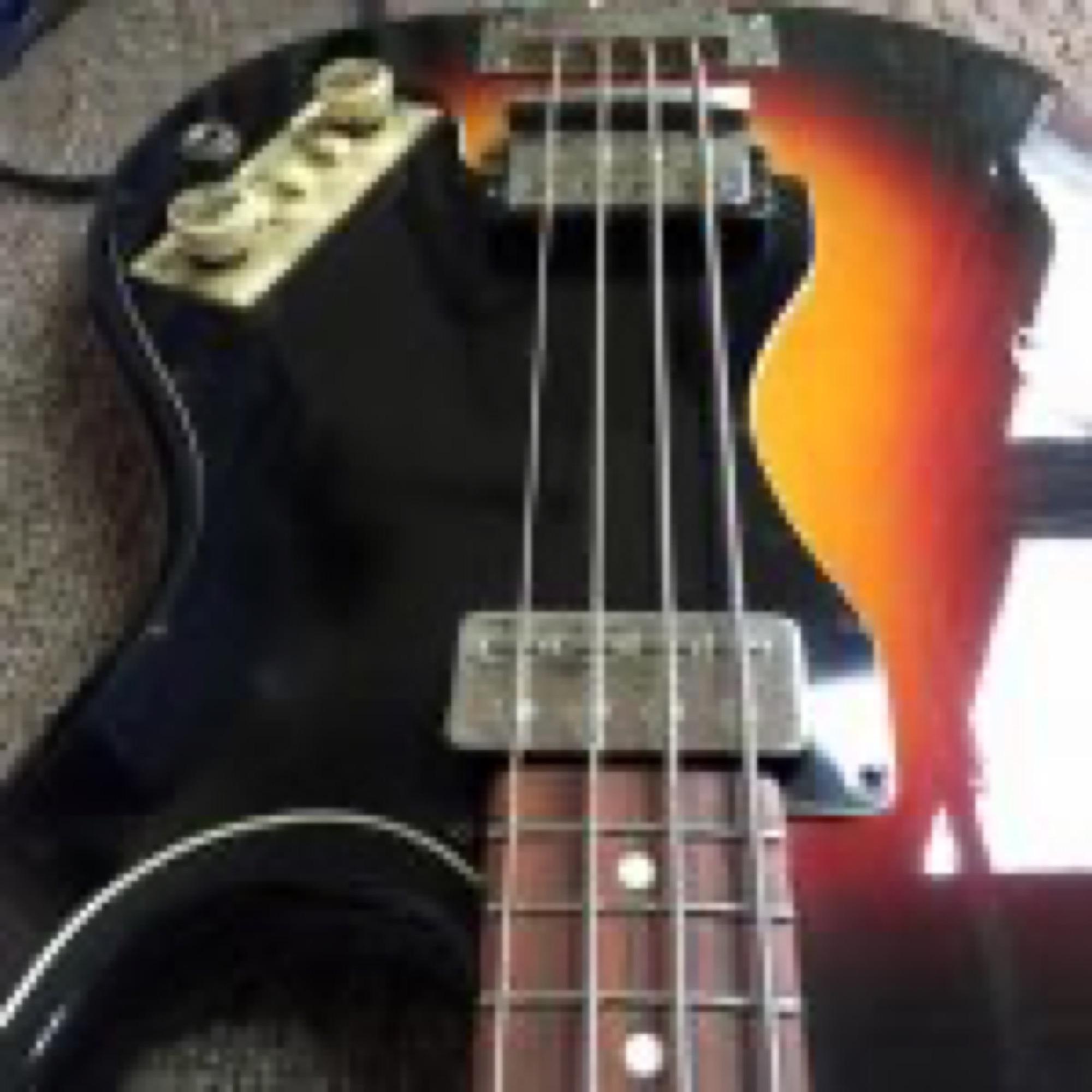 62/3 Hofner 182 Shortscale Bass